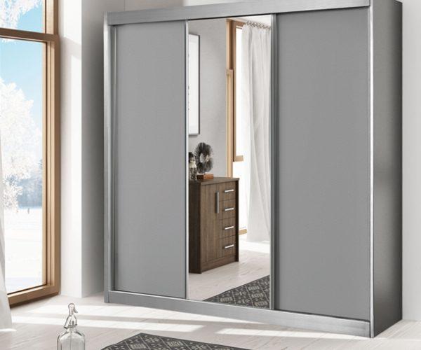 ארון עם דלתות הזזה