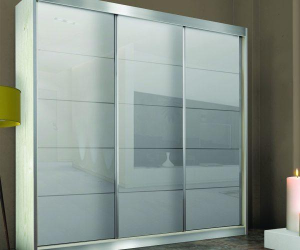 ארון שלוש דלתות זכוכית